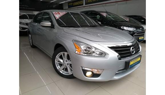 //www.autoline.com.br/carro/nissan/altima-25-sl-16v-gasolina-4p-automatico/2014/sao-paulo-sp/6780267