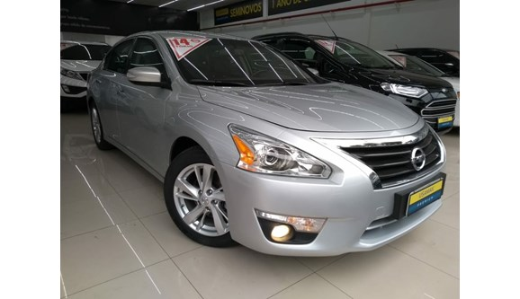 //www.autoline.com.br/carro/nissan/altima-25-sl-16v-gasolina-4p-automatico/2014/sao-paulo-sp/6990495