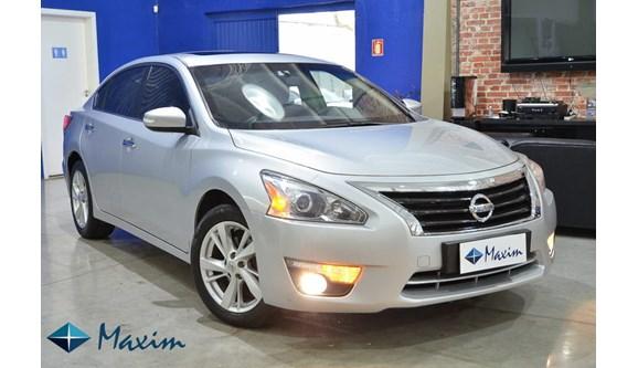 //www.autoline.com.br/carro/nissan/altima-25-sl-16v-gasolina-4p-automatico/2014/porto-alegre-rs/7040001