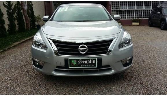 //www.autoline.com.br/carro/nissan/altima-25-sl-16v-gasolina-4p-automatico/2014/atibaia-sp/9736525