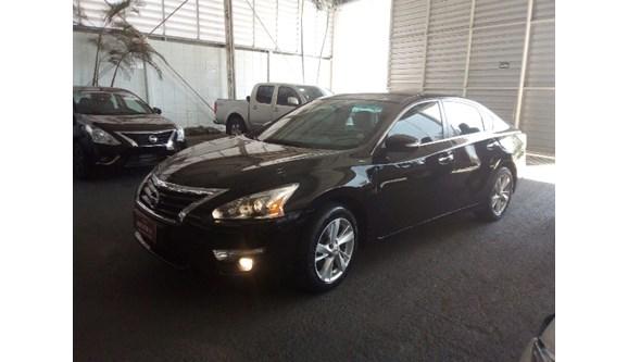 //www.autoline.com.br/carro/nissan/altima-25-sl-16v-gasolina-4p-automatico/2014/mogi-mirim-sp/6696646