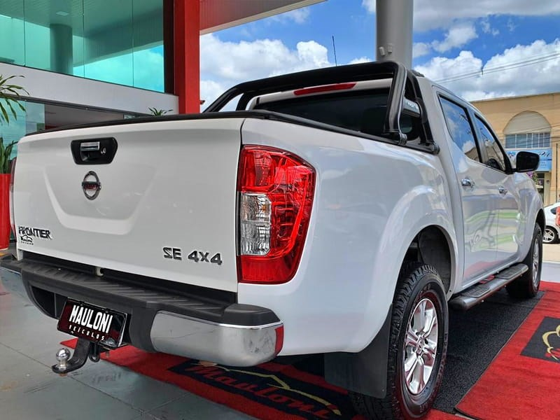//www.autoline.com.br/carro/nissan/frontier-23-cd-se-16v-diesel-4p-4x4-turbo-automatico/2018/curitiba-pr/14878278