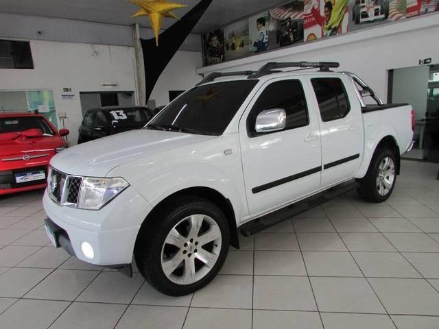 //www.autoline.com.br/carro/nissan/frontier-25-cd-le-16v-diesel-4p-4x4-turbo-automatico/2013/sao-bernardo-do-campo-sp/14906109