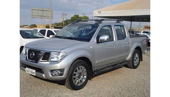 //www.autoline.com.br/carro/nissan/frontier-25-sl-16v-diesel-4p-automatico-4x4-turbo/2015/brasilia-df/9903002