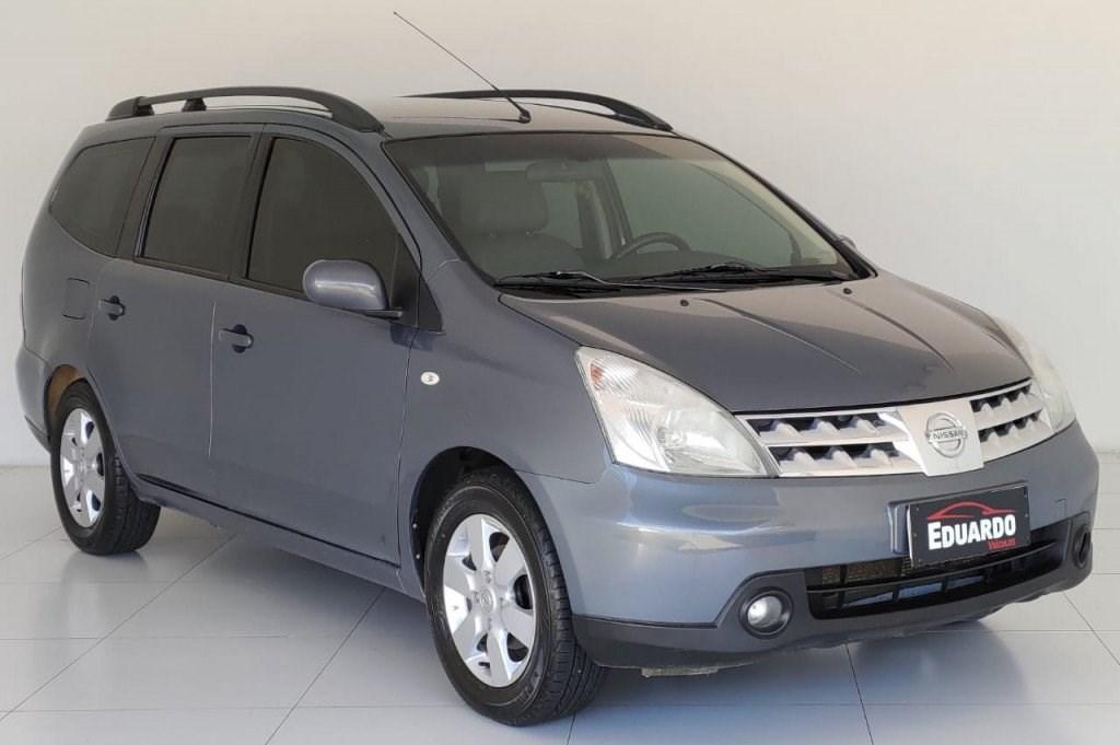 //www.autoline.com.br/carro/nissan/grand-livina-18-sl-16v-flex-4p-automatico/2010/castro-pr/14298847