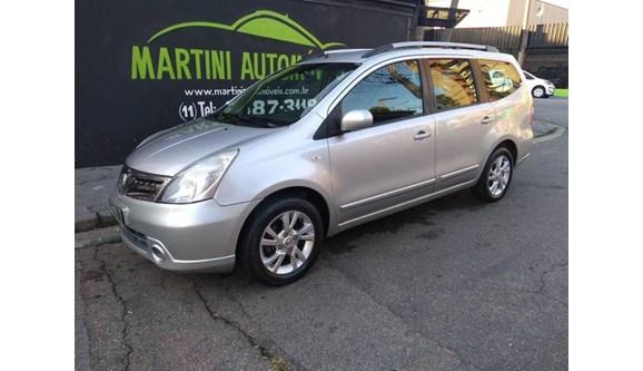 //www.autoline.com.br/carro/nissan/grand-livina-18-sl-16v-flex-4p-automatico/2013/jundiai-sp/8648213