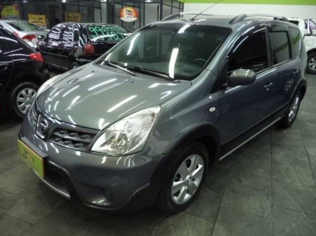 //www.autoline.com.br/carro/nissan/livina-18-x-gear-sl-16v-flex-4p-automatico/2013/sao-paulo-sp/10484311