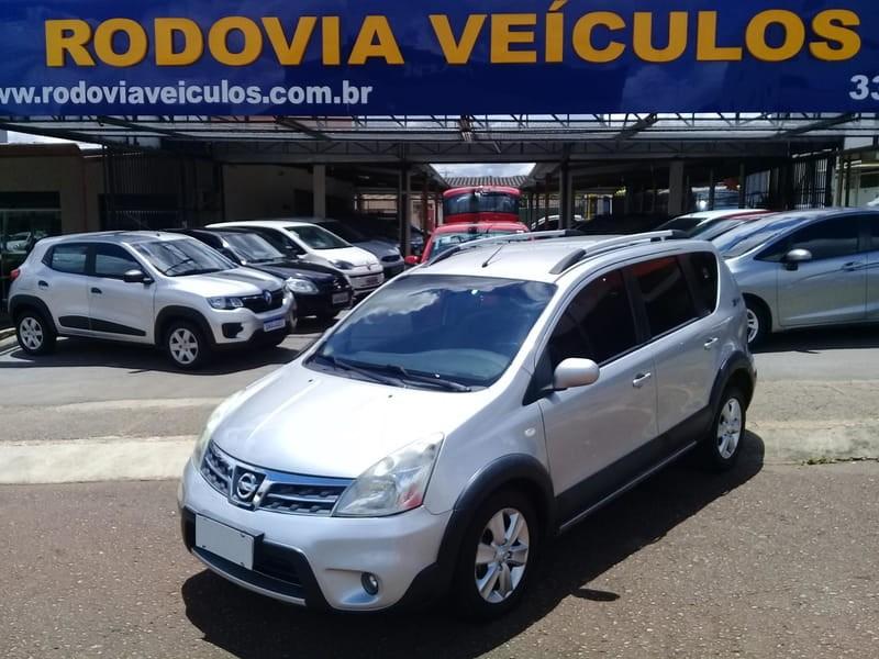 //www.autoline.com.br/carro/nissan/livina-18-sl-x-gear-16v-126cv-4p-flex-automatico/2014/brasilia-df/11195377