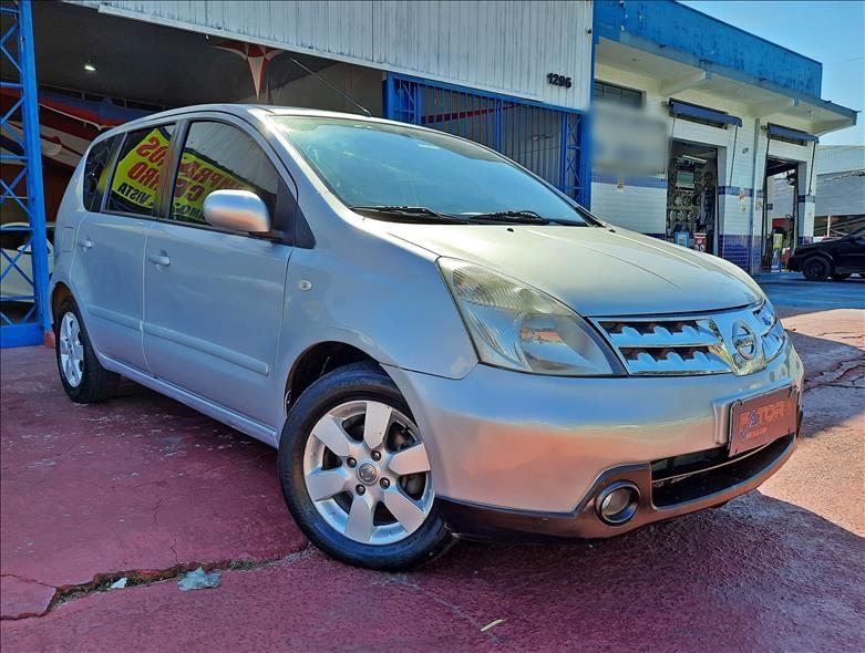//www.autoline.com.br/carro/nissan/livina-18-sl-16v-flex-4p-automatico/2010/campinas-sp/13091994