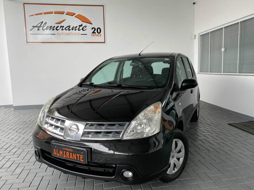 //www.autoline.com.br/carro/nissan/livina-18-16v-flex-4p-automatico/2010/blumenau-sc/13103249