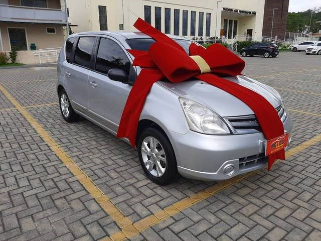 //www.autoline.com.br/carro/nissan/livina-16-16v-flex-4p-manual/2013/joinville-sc/13970746