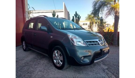 //www.autoline.com.br/carro/nissan/livina-18-x-gear-16v-flex-4p-automatico/2014/porto-alegre-rs/7054250