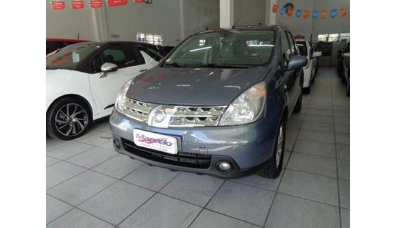 //www.autoline.com.br/carro/nissan/livina-18-sl-16v-flex-4p-automatico/2010/criciuma-sc/8040137