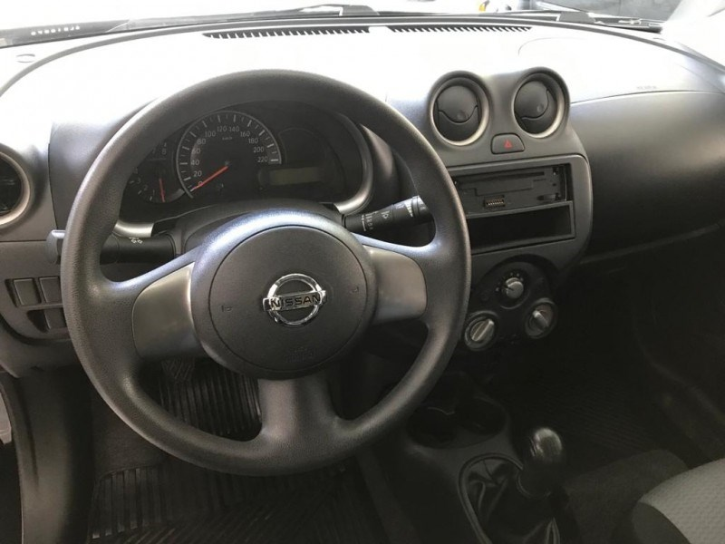 //www.autoline.com.br/carro/nissan/march-10-s-16v-flex-4p-manual/2014/sao-paulo-sp/15317521