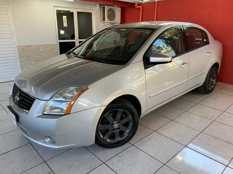 //www.autoline.com.br/carro/nissan/sentra-20-s-16v-gasolina-4p-automatico/2009/gravatai-rs/12699514