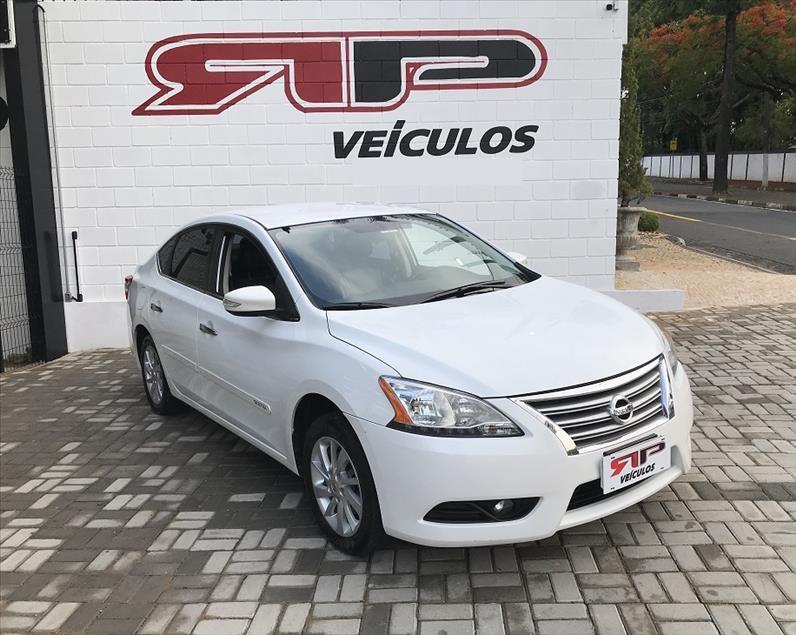 //www.autoline.com.br/carro/nissan/sentra-20-sv-16v-flex-4p-automatico/2015/vinhedo-sp/13026185