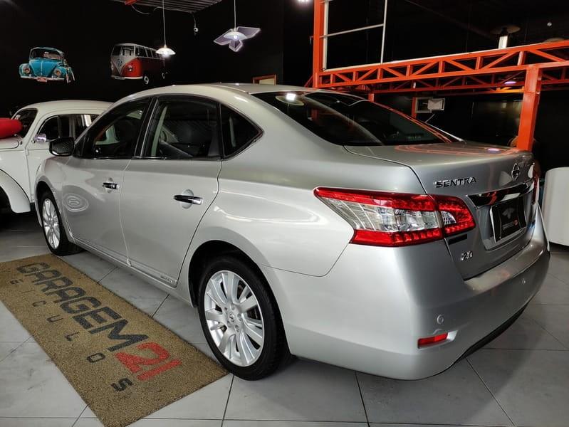 //www.autoline.com.br/carro/nissan/sentra-20-unique-16v-cvt-140cv-4p-flex-automatico/2015/teresopolis-rj/14966283