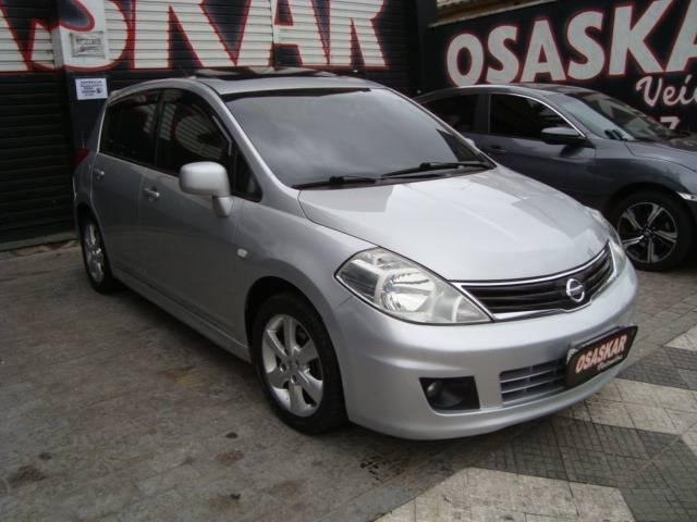 //www.autoline.com.br/carro/nissan/tiida-18-sl-16v-flex-4p-automatico/2013/osasco-sp/13025203