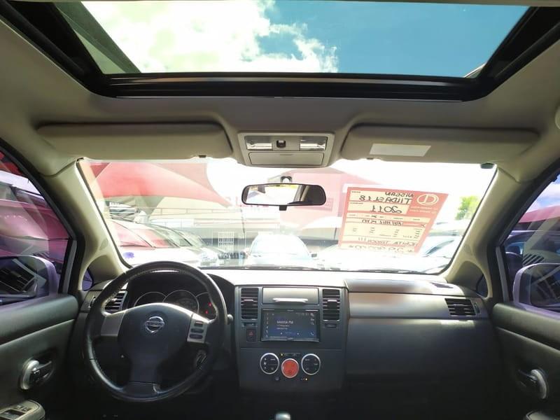 //www.autoline.com.br/carro/nissan/tiida-18-sl-16v-flex-4p-automatico/2011/curitiba-pr/13107372