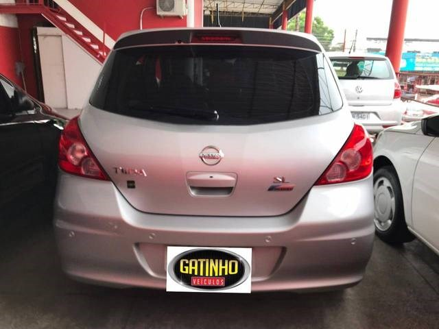 //www.autoline.com.br/carro/nissan/tiida-18-sl-16v-flex-4p-automatico/2012/manaus-am/13163262