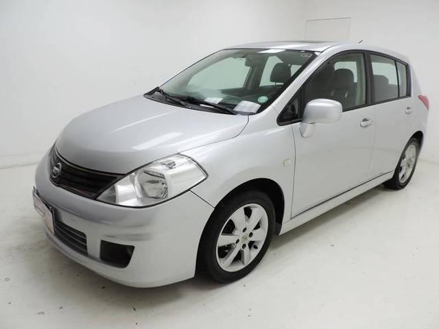 //www.autoline.com.br/carro/nissan/tiida-18-hatch-sl-16v-flex-4p-automatico/2012/sao-jose-sc/14752509