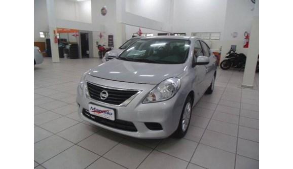 //www.autoline.com.br/carro/nissan/versa-16-s-16v-flex-4p-manual/2014/criciuma-sc/10004510