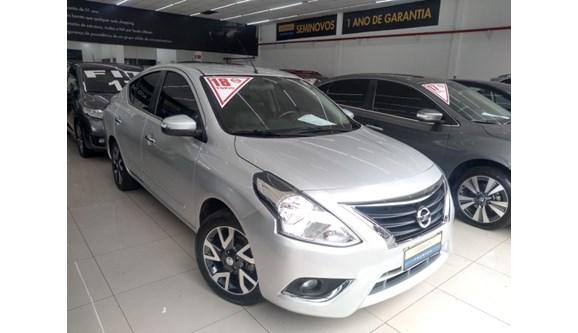 //www.autoline.com.br/carro/nissan/versa-16-unique-16v-flex-4p-automatico/2017/sao-paulo-sp/10137261