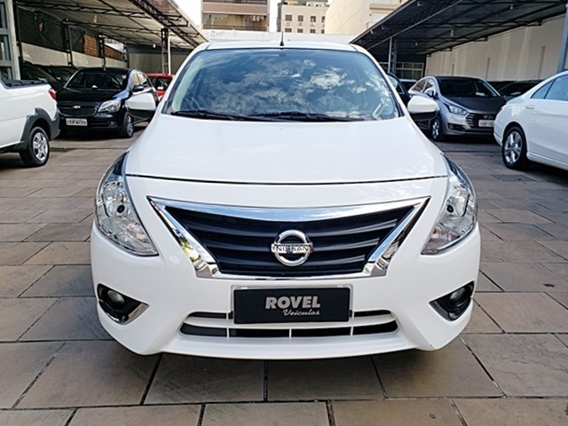 //www.autoline.com.br/carro/nissan/versa-16-unique-16v-flex-4p-automatico/2018/porto-alegre-rs/10572999