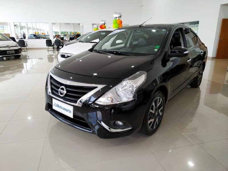 //www.autoline.com.br/carro/nissan/versa-16-unique-16v-flex-4p-automatico/2017/londrina-pr/11257619