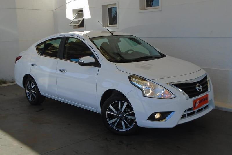 //www.autoline.com.br/carro/nissan/versa-16-sl-16v-flex-4p-automatico/2018/brasilia-df/12497164