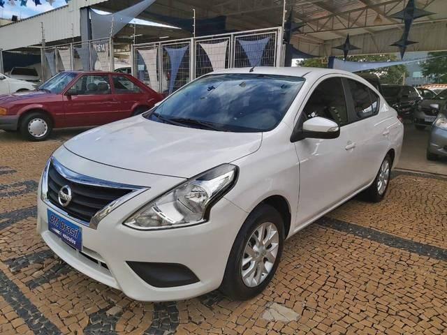 //www.autoline.com.br/carro/nissan/versa-16-sv-16v-flex-4p-cvt/2020/campinas-sp/15232946