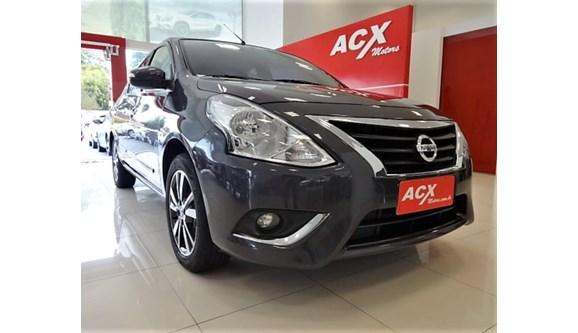 //www.autoline.com.br/carro/nissan/versa-16-unique-16v-flex-4p-automatico/2018/curitiba-pr/8680441