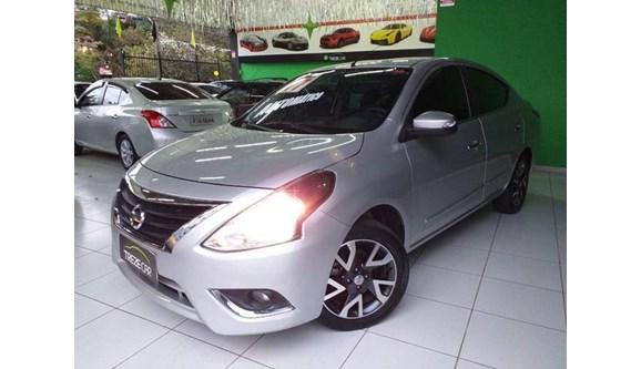 //www.autoline.com.br/carro/nissan/versa-16-unique-16v-flex-4p-automatico/2017/sao-paulo-sp/9431237