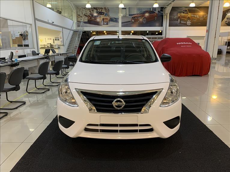 //www.autoline.com.br/carro/nissan/versa-v-drive-16-16v-flex-4p-manual/2021/osasco-sp/14838272