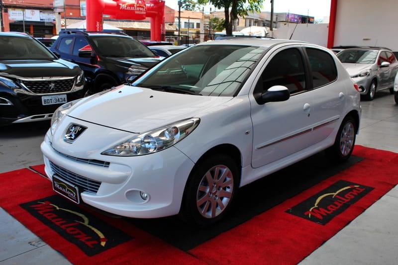 //www.autoline.com.br/carro/peugeot/207-16-xs-16v-flex-4p-automatico/2013/curitiba-pr/13052981