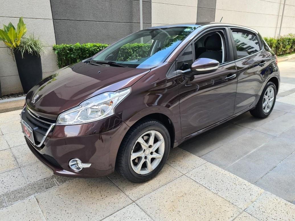 //www.autoline.com.br/carro/peugeot/208-15-allure-8v-flex-4p-manual/2015/sao-paulo-sp/14247311