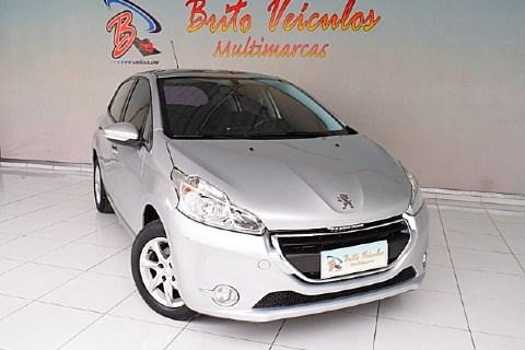 //www.autoline.com.br/carro/peugeot/208-15-allure-8v-flex-4p-manual/2016/sao-paulo-sp/14674560