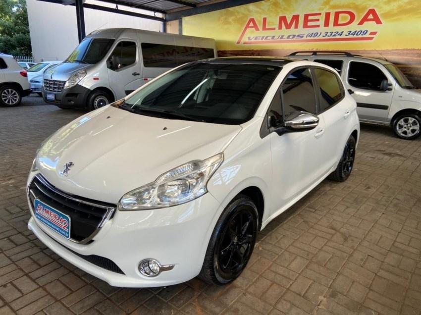 //www.autoline.com.br/carro/peugeot/208-15-allure-8v-flex-4p-manual/2014/chapeco-sc/14693029