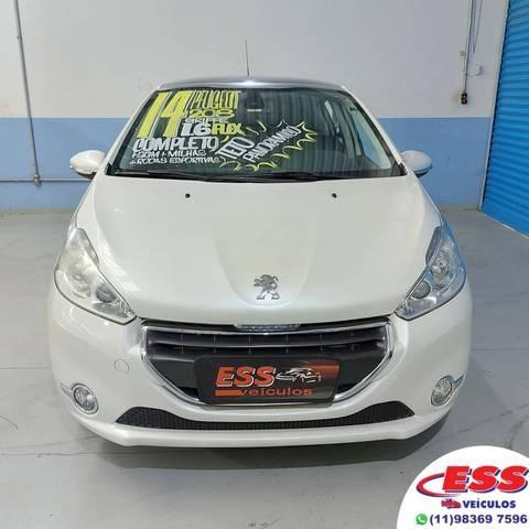 //www.autoline.com.br/carro/peugeot/208-16-griffe-16v-flex-4p-automatico/2014/sao-paulo-sp/14780139