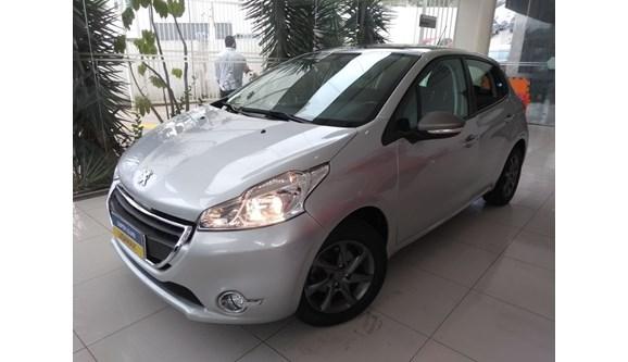 //www.autoline.com.br/carro/peugeot/208-15-allure-8v-flex-4p-manual/2014/sao-paulo-sp/6929731
