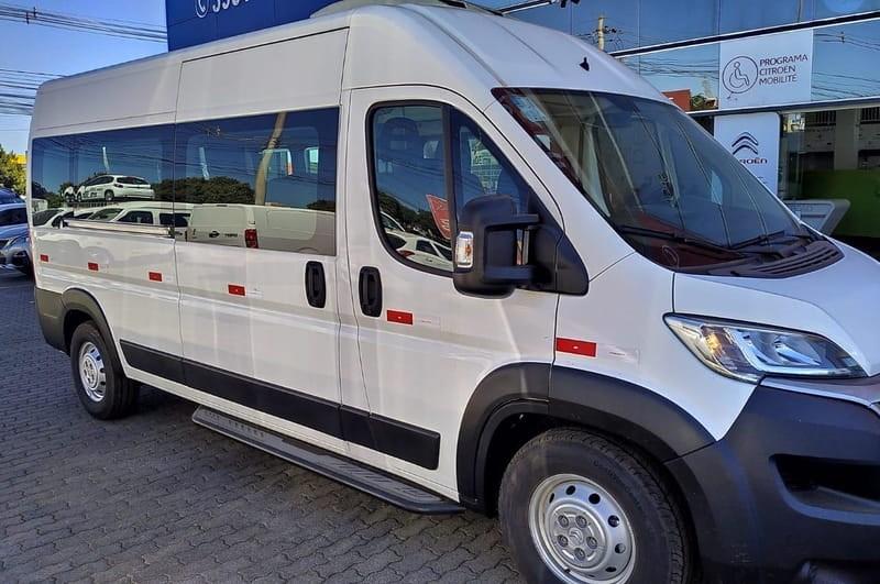//www.autoline.com.br/carro/peugeot/boxer-20-16v-diesel-4p-manual/2019/brasilia-df/12002546