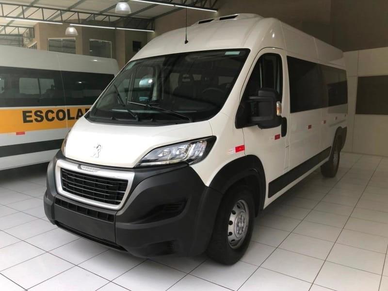 //www.autoline.com.br/carro/peugeot/boxer-20-minibus-16v-diesel-4p-manual/2021/brasilia-df/12743358
