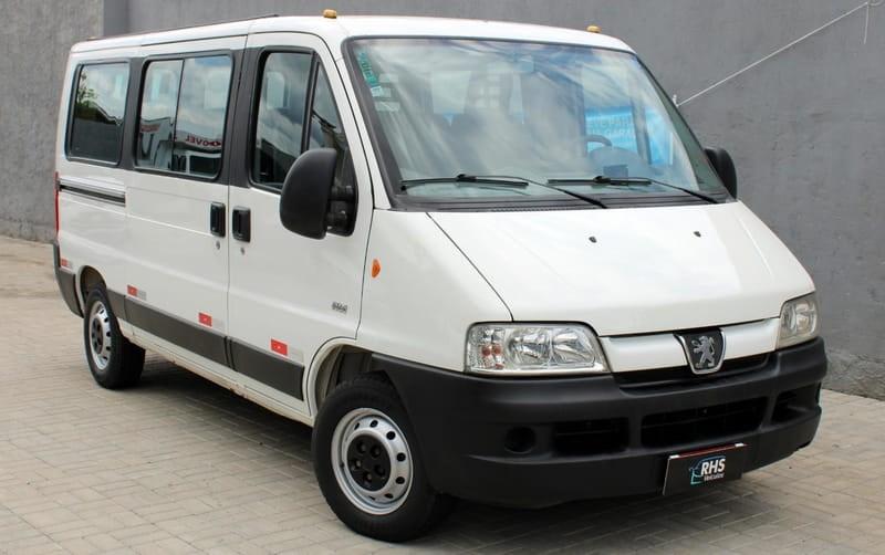 //www.autoline.com.br/carro/peugeot/boxer-23-hdi-longo-350-15-lugares-16v-diesel-4p-man/2014/uniao-da-vitoria-pr/13123005