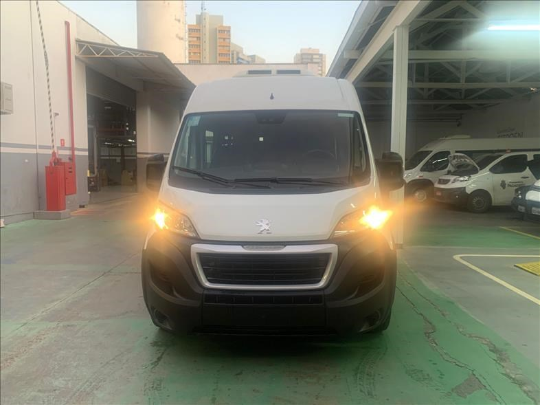 //www.autoline.com.br/carro/peugeot/boxer-20-business-l3h2-13m-16v-diesel-4p-turbo-manu/2021/sao-paulo-sp/14358091