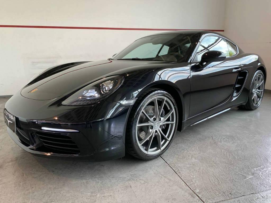 //www.autoline.com.br/carro/porsche/718-cayman-20-cayman-16v-coupe-gasolina-2p-automatizado/2019/belo-horizonte-mg/12911885