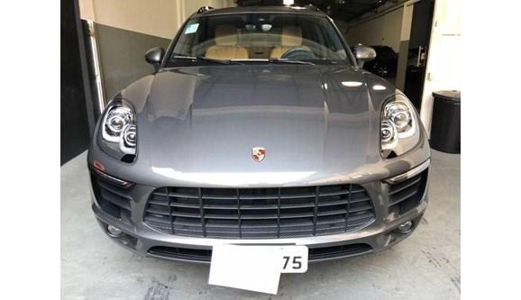 //www.autoline.com.br/carro/porsche/macan-20-16v-gasolina-4p-pdk-4x4-turbo/2018/sao-paulo-sp/7646370