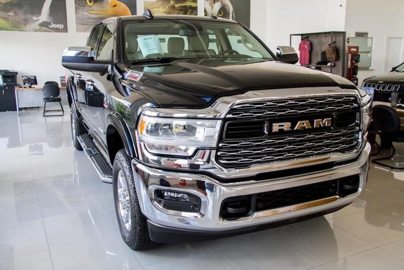 //www.autoline.com.br/carro/ram/ram-pickup-67-laramie-24v-diesel-4p-automatico-4x4-turbo/2019/goiania-go/12598438