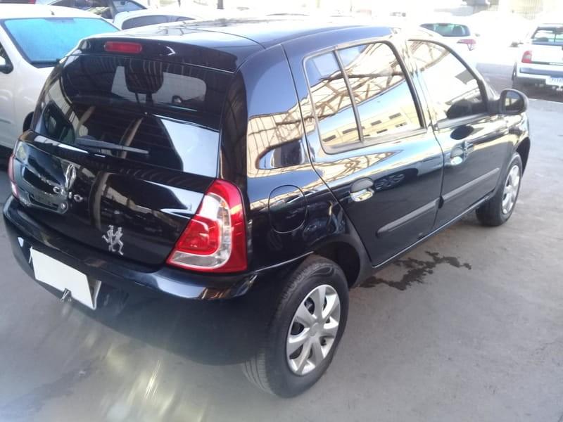 //www.autoline.com.br/carro/renault/clio-10-hatch-expression-16v-flex-4p-manual/2014/brasilia-df/14928694