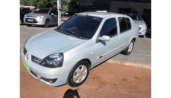 //www.autoline.com.br/carro/renault/clio-16-privilege-16v-sedan-gasolina-4p-manual/2005/cascavel-pr/7962081