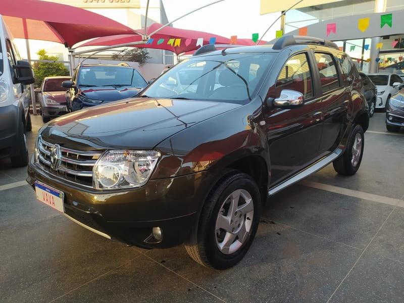 //www.autoline.com.br/carro/renault/duster-20-dynamique-16v-flex-4p-automatico/2014/brasilia-df/15193681